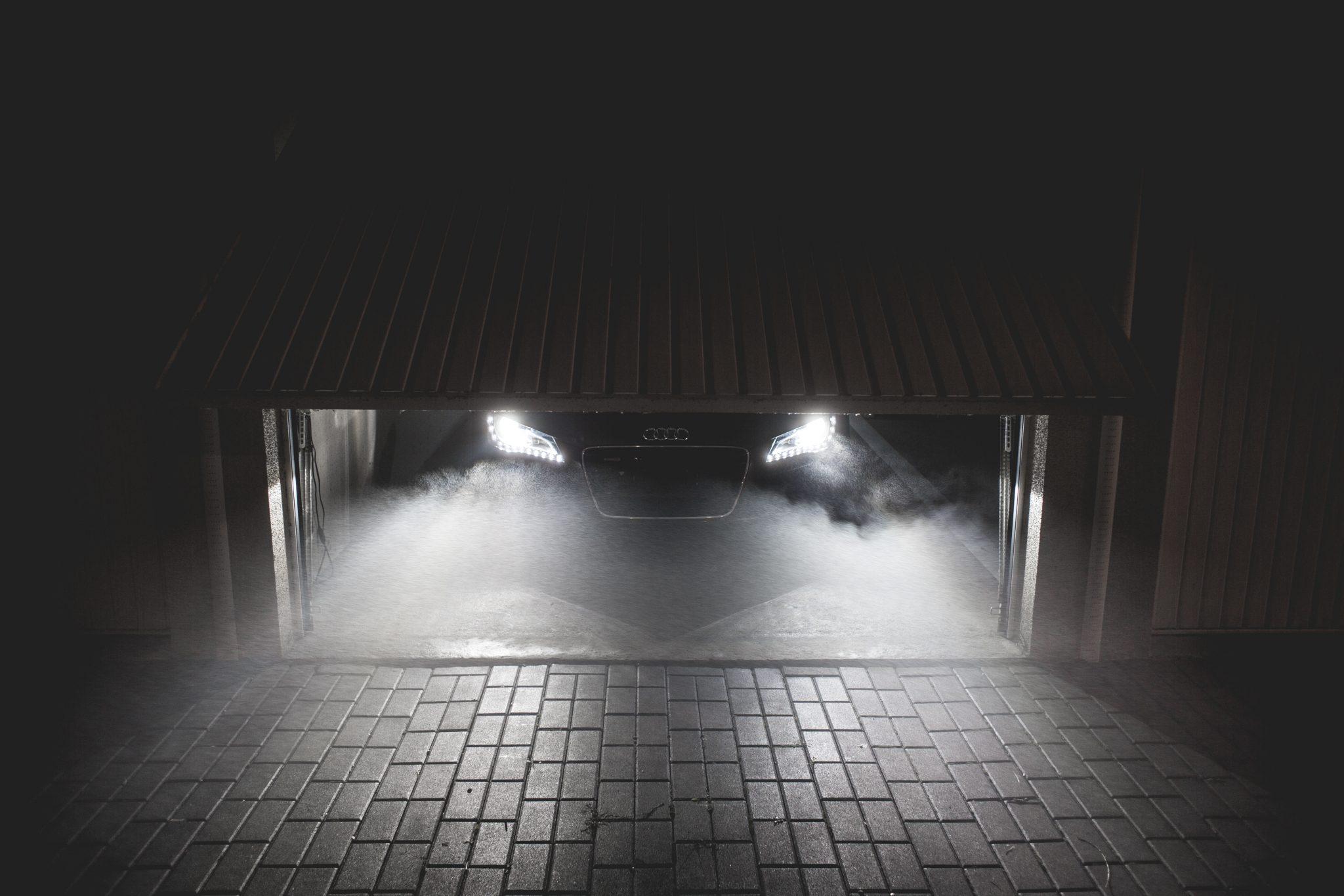 sportcar-waiting-in-garage-at-night-picjumbo-com